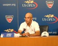 职业网球球员詹姆斯・布雷克宣布了他的退休在新闻招待会期间在美国公开赛2013年 免版税库存照片