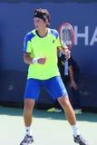 职业网球球员从乌克兰的Sergiy Stakhovsky在美国公开赛的第一次回合比赛期间2014年 免版税库存照片
