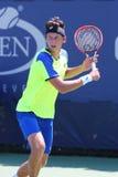 职业网球球员从乌克兰的Sergiy Stakhovsky在美国公开赛的第一次回合比赛期间2014年 免版税库存图片