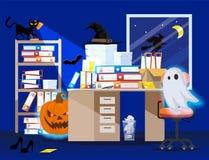 职场在度假在蓝色的万圣节 办公室室的平的例证内部用南瓜,发光的鬼魂,甚而猫, 向量例证