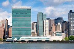联合国总部大楼和其他摩天大楼在曼哈顿中城 库存照片