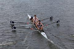 联合小船俱乐部在查尔斯赛船会人的冠军Fours头赛跑  库存图片