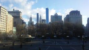 联合广场在晴朗的星期日早晨在春天在曼哈顿,纽约, NY 图库摄影