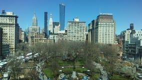 联合广场在晴朗的星期日早晨在春天在曼哈顿,纽约, NY 库存图片