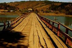 联合桥梁在储备和文明之间的 库存图片