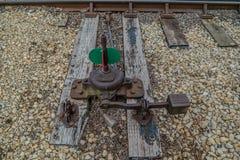 联合,Illinois/USA - 6/6/2019老火车轨道调转工在火车围场 库存照片
