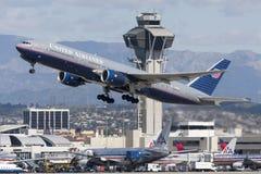 联航波音777飞机 图库摄影