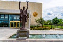 联邦储备银行雕象在坎萨斯城 免版税库存照片
