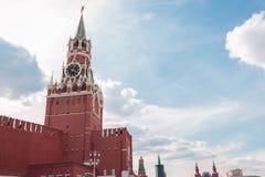 联邦克里姆林宫莫斯科透视图红色俄国倾斜spasskaya正方形塔 库存照片