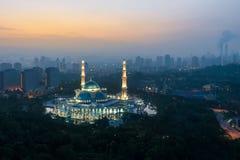 联邦疆土清真寺鸟瞰图在日出期间的 的fed 库存照片