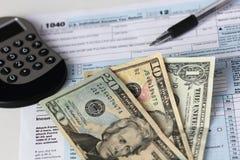联邦税务局联邦所得税形式 免版税库存图片