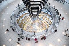 联邦议会圆顶-柏林内部看法  免版税库存照片