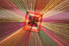 聚合对点的五颜六色的毛线 图库摄影