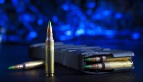 聚合物AR-15杂志和弹药筒 库存照片