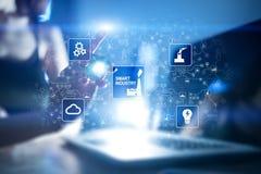 聪明的产业 工业和技术创新 现代化和自动化概念 互联网 IOT 库存照片