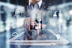聪明的产业 工业和技术创新 现代化和自动化概念 互联网 IOT 库存图片