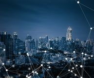 聪明的城市和连接线 概念全球互联网 库存照片