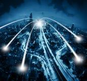 聪明的城市和连接线 背景蓝色颜色概念互联网 免版税图库摄影