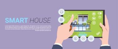 聪明的家庭技术横幅用拿着数字式有控制系统的手片剂设备在模板背景 库存例证