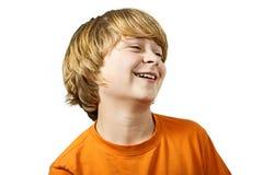 年轻聪明的男孩获得乐趣 免版税库存照片