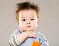 聪明的男婴 库存照片
