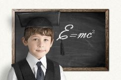 聪明的年轻男孩 免版税库存图片