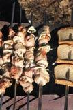 肉串和面包 免版税库存图片