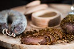 肉内圆角和香肠 图库摄影
