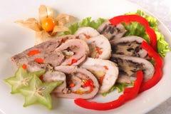 肉卷蔬菜 免版税库存图片