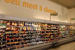 肉和乳酪熟食店 免版税库存图片