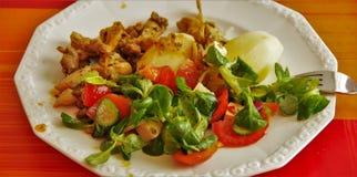 肉和土豆沙拉 免版税库存照片