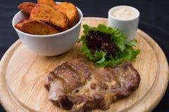 肉和土豆 免版税库存图片