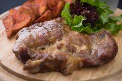肉和土豆 免版税库存照片