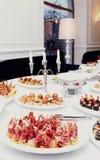 肉和鱼开胃菜在餐馆,被定调子 免版税库存照片