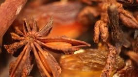 肉桂条和大料转动的,甜和美味食品添加剂特写镜头  影视素材