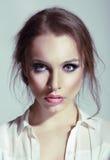 年轻肉欲的女性秀丽画象  免版税图库摄影