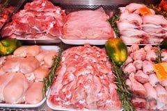 肉部门,超级市场显示 肉店 库存照片