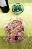 肉陶罐、开心果和蔓越桔 免版税库存图片