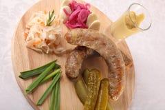 肉香肠用腌汁和调味汁 皇族释放例证