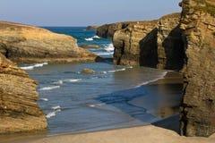肋前缘和大教堂海滩在卢戈 库存照片
