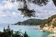 肋前缘Brava,西班牙,卡塔龙尼亚的美丽如画的看法 库存图片
