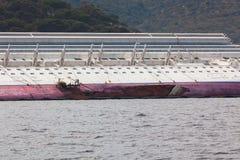 肋前缘Concordia在海难以后的游轮 库存图片