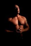 肌肉中间名变老的人低调纵向  库存照片