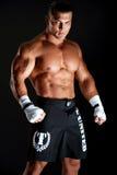 肌肉年轻拳击手 免版税库存图片