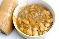 肚炖煮的食物和豆 免版税图库摄影