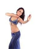 肚皮舞的美丽的女孩舞蹈家,东部服装 免版税库存照片