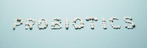 肚腑和药片,probiotics,抗生素 毁坏保护、补救从病症和治疗 免版税库存照片