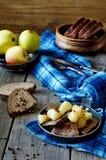 肝脏用苹果 库存图片