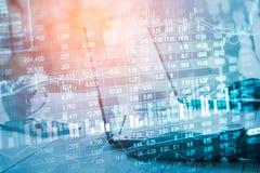 股市显示和财务数据视图从LED 双 免版税库存照片