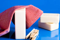 肥皂、衣裳和洗衣店 库存照片